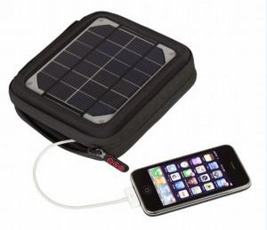 Încărcător solar portabil pentru telefon şi laptop