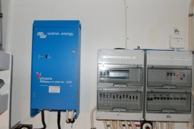 Sisteme UPS de back-up trifazate 8KW 3
