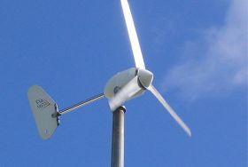 Instalatie  eoliana rezistenta in conditii dificile,instalatie utila pentru sisteme de telecomunicatii,pret mic instalatie cu control automat al incarcarii