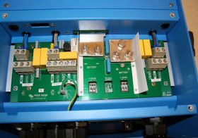 Invertoare tensiune cu unda pura Victron MultiPlus 48V 3000W 35-16