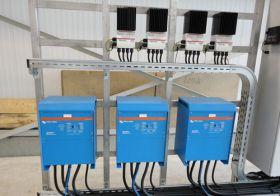 Sistem back-up trifazat 10KW cu baterii solare 4