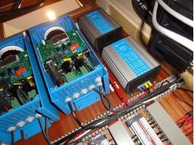 Sistem UPS monofazat de back-up 2KW 2
