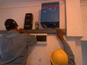 Sisteme UPS de back-up trifazate 8KW 4