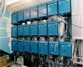 Sistem back-up trifazat 10KW cu baterii solare