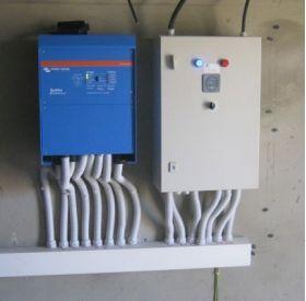 Sistem back-up trifazat 10KW cu baterii solare 6