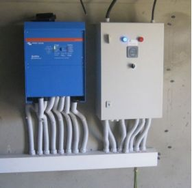 Sisteme back-up trifazate 10000W cu acumulatori 4