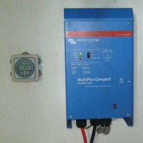 Invertor panou solar MultiPlus 12V 800W 35-16 Compact