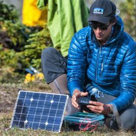 Kit solar fotovoltaic portabil si generos pentru incarcare laptop si MacBooks de 17W cu baterie V88 pentru incarcare rapida pret ieftin 4
