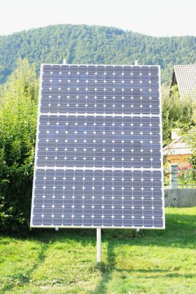 Celule solare fotovoltaice instalate pe trackere Orizont Uno 0.9 KWp 4